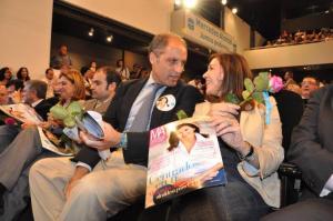 No se puede negar que de hacerse propaganda sí sabe, la alcaldesa Foto: Laverdad.es